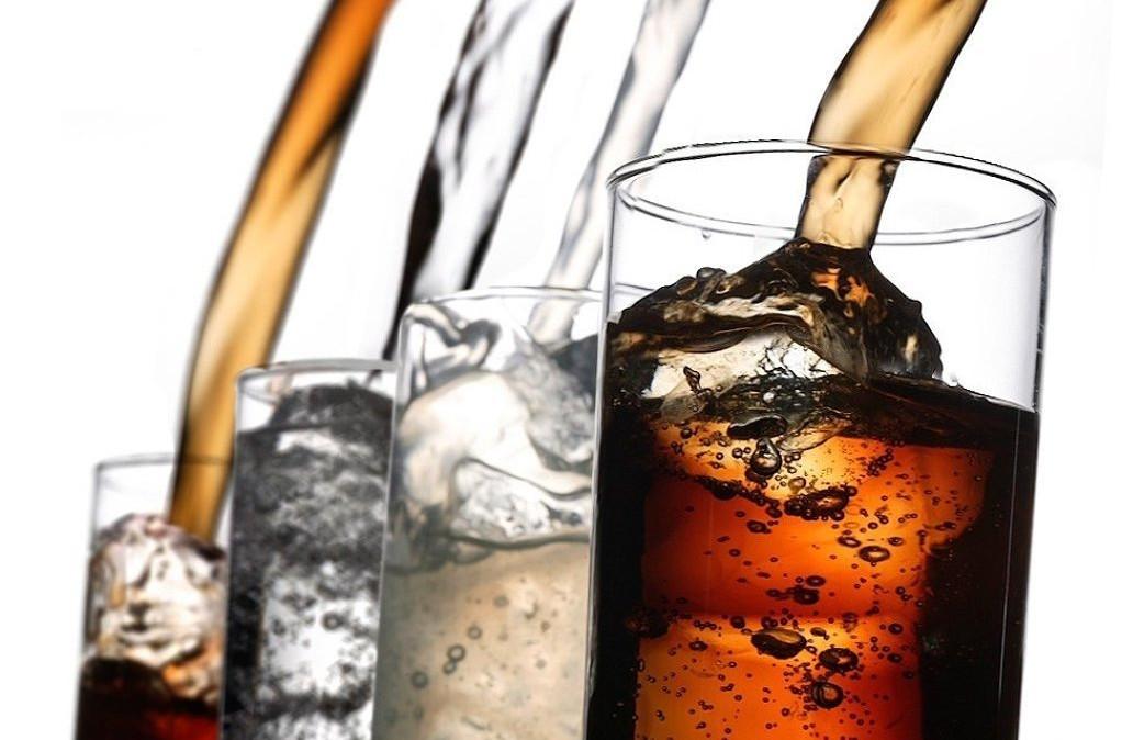 Beber refrescos cero es un modo más caro de beber agua del grifo